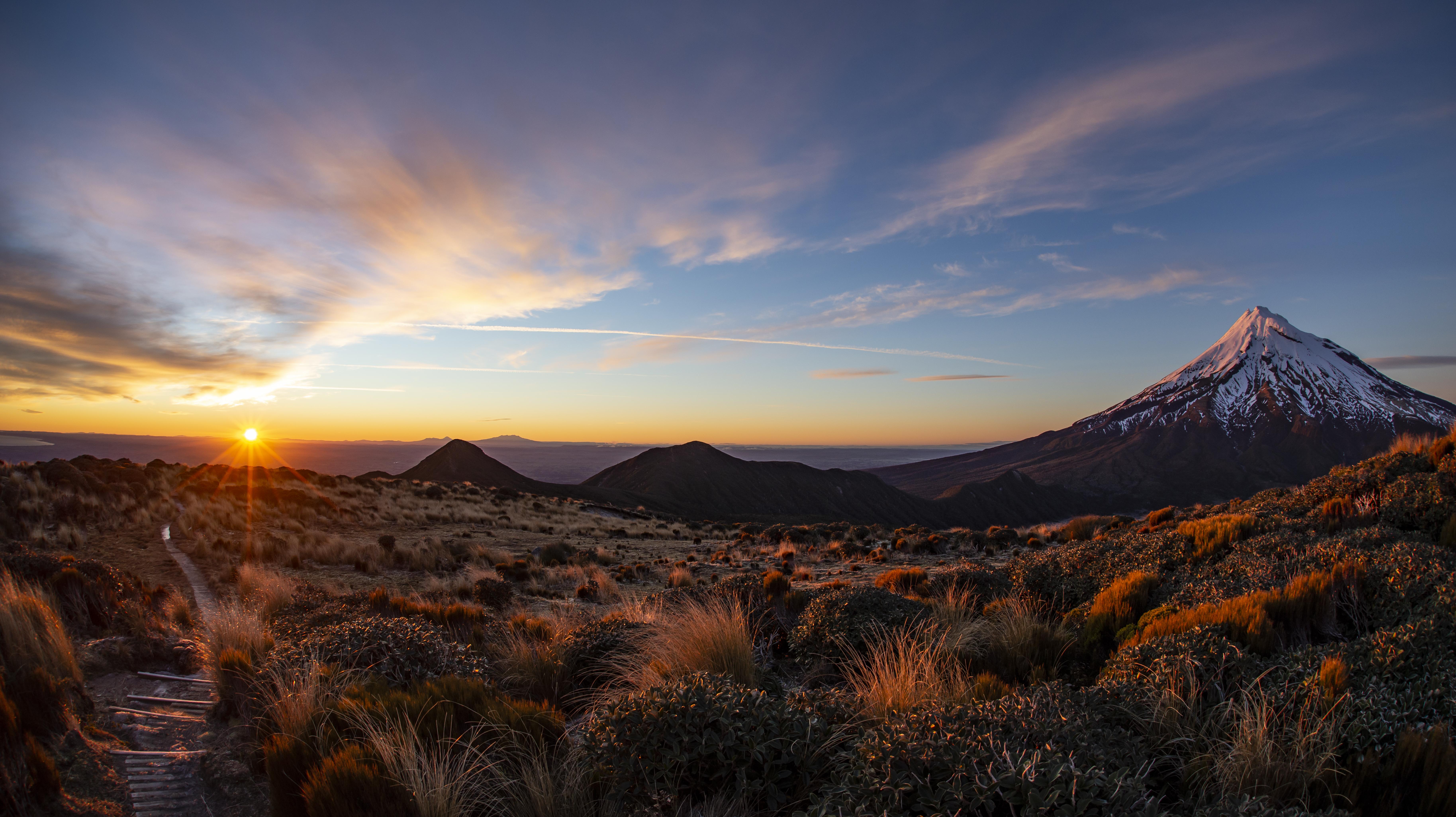 Mt.Taranaki_sunrise